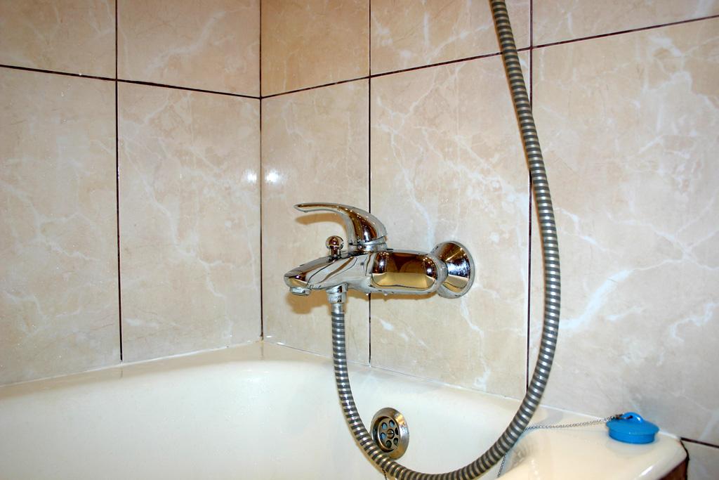 Как сделать смеситель на ванне
